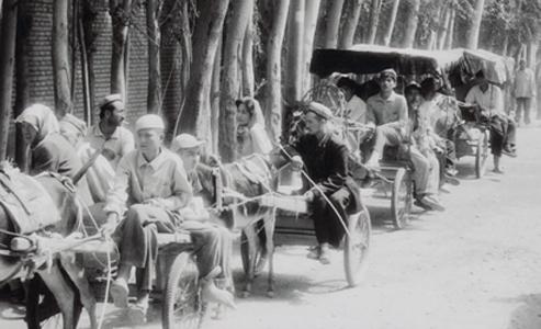 arriving-at-hotan-market.jpg
