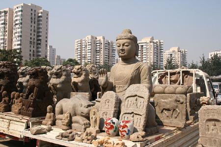 w-panjiayuan-market.jpg