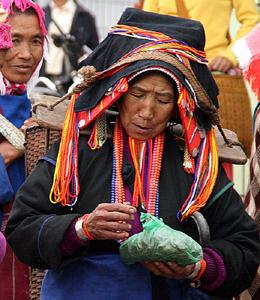 Hani Lady Xiding Market 西定市场 Yunnan