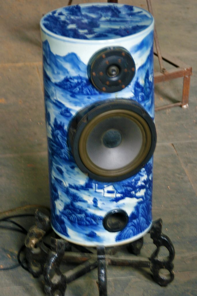 porcelain speakers in Jingdezhen: the Porcelain City