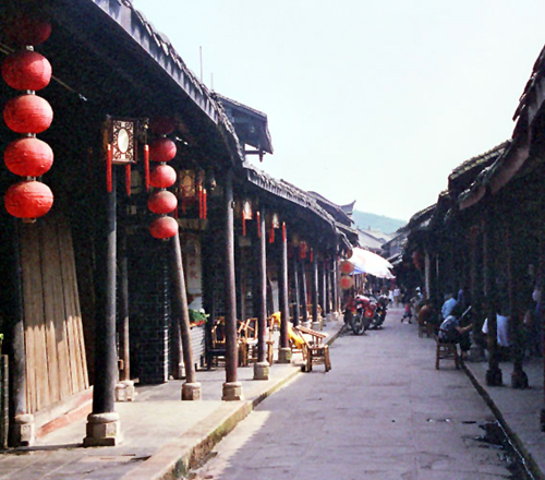 street-in-huanglongxi