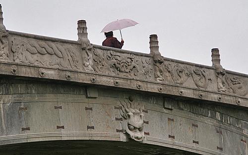 Crossing Zhaozhou Bridge