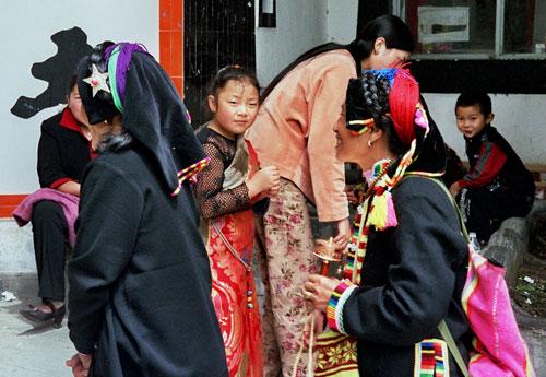 Pilgrims visiting Nanwusi Kangding