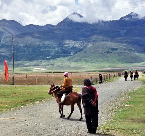 Sichuan Tibet highway in better days
