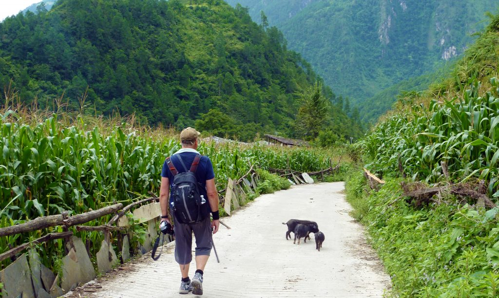 Trekking in Qiunatong
