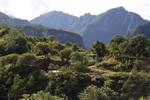 Dong Feng Tibetan Village