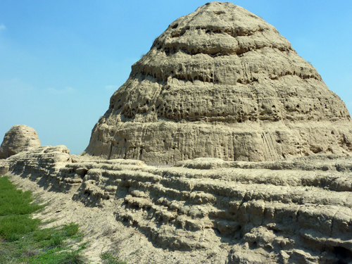 Yinchuan & The Xi Xia Tombs