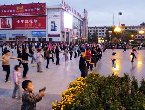 Dancing in the streets Zhangye