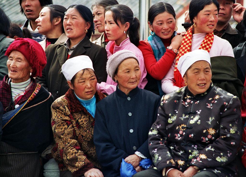 Songpan festival people watching
