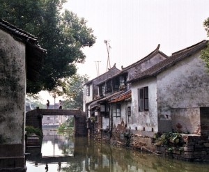 THE BEST DAY TRIP FROM SUZHOU  苏州 Luzhi 甪直 An Authentic Canal Town