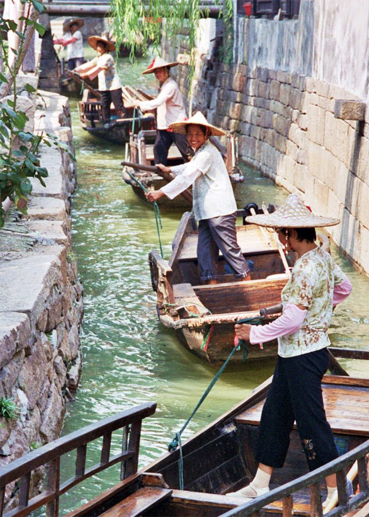 canal boats THE BEST DAY TRIP FROM SUZHOU  苏州 Luzhi 甪直 An Authentic Canal Town