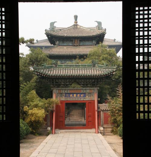 Entrance to the Dafo Temple 大佛寺