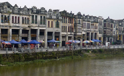 Chikan River front