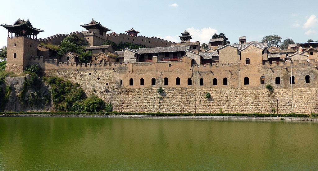 Xiangyu Castle 湘峪古堡 Moat
