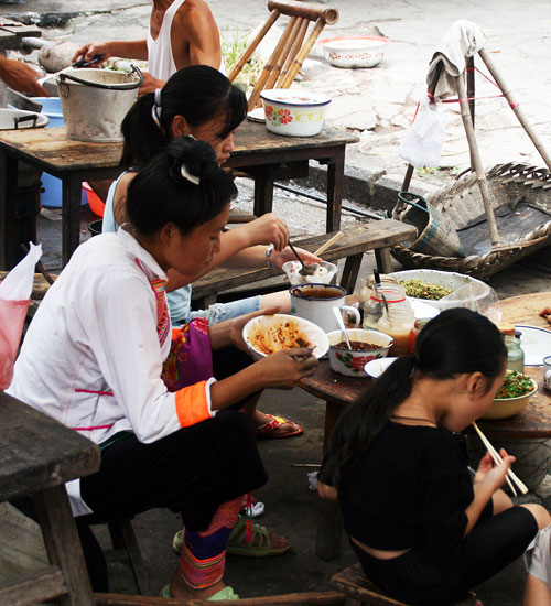 miao at rongjiang market
