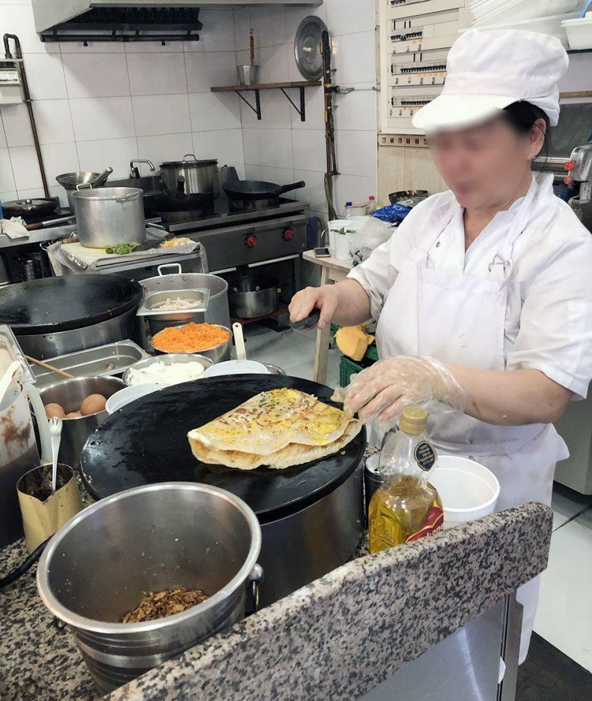 Making Chinese Pancake