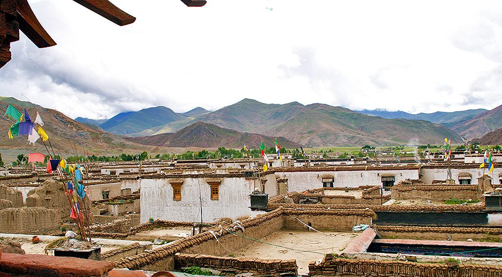 countryside around Shalu Monastery 夏鲁寺: Tibet