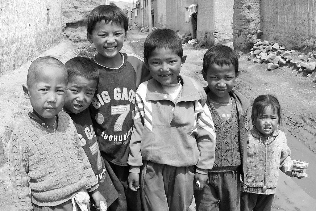 children Shalu Monastery 夏鲁寺: Tibet