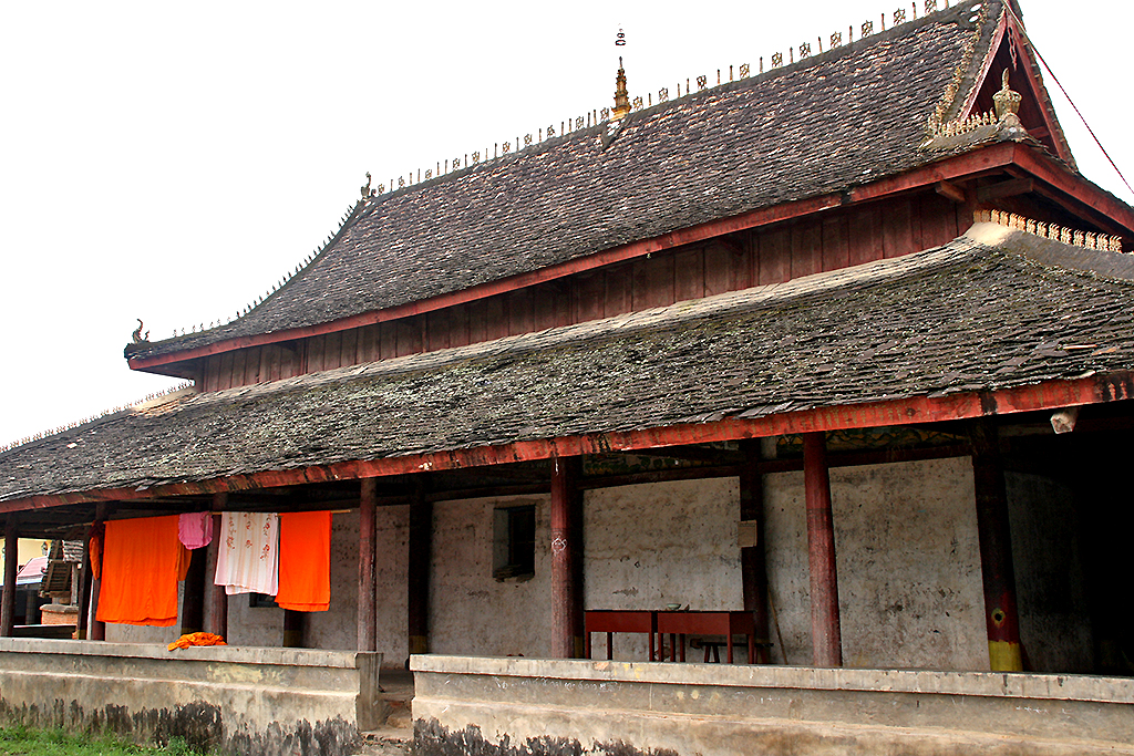 temple near menghai