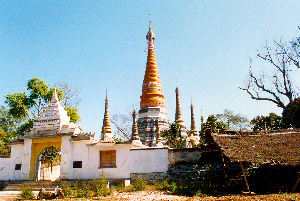 Pagoda complex near Ruili 1991