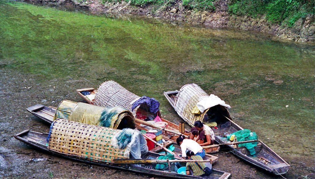fishermen Wuyang River 舞阳河, Zhenyuan 镇远 Guizhou 贵州