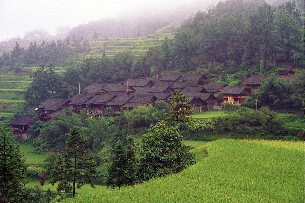 Dong Village侗族村 between Zhenyuan镇远 and Taijiang台江1