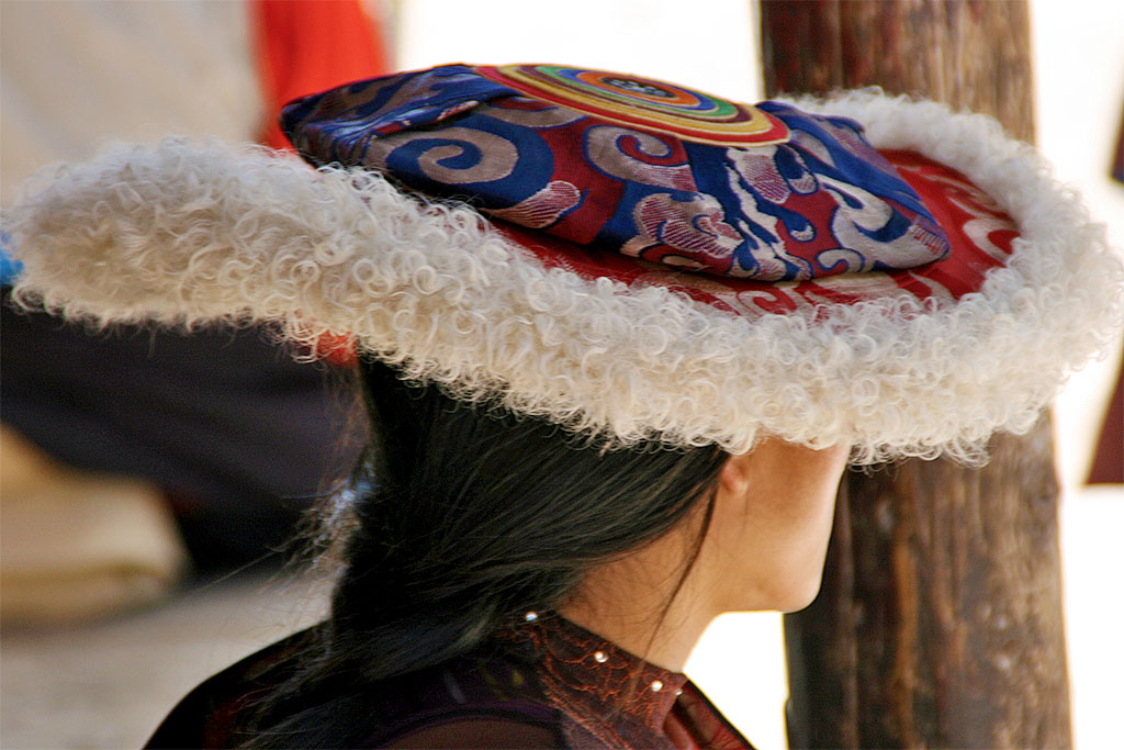 pilgrims hats  at the The Original Yushu Seng-ze Gyanak Mani Wall before the 2009 Earthquake