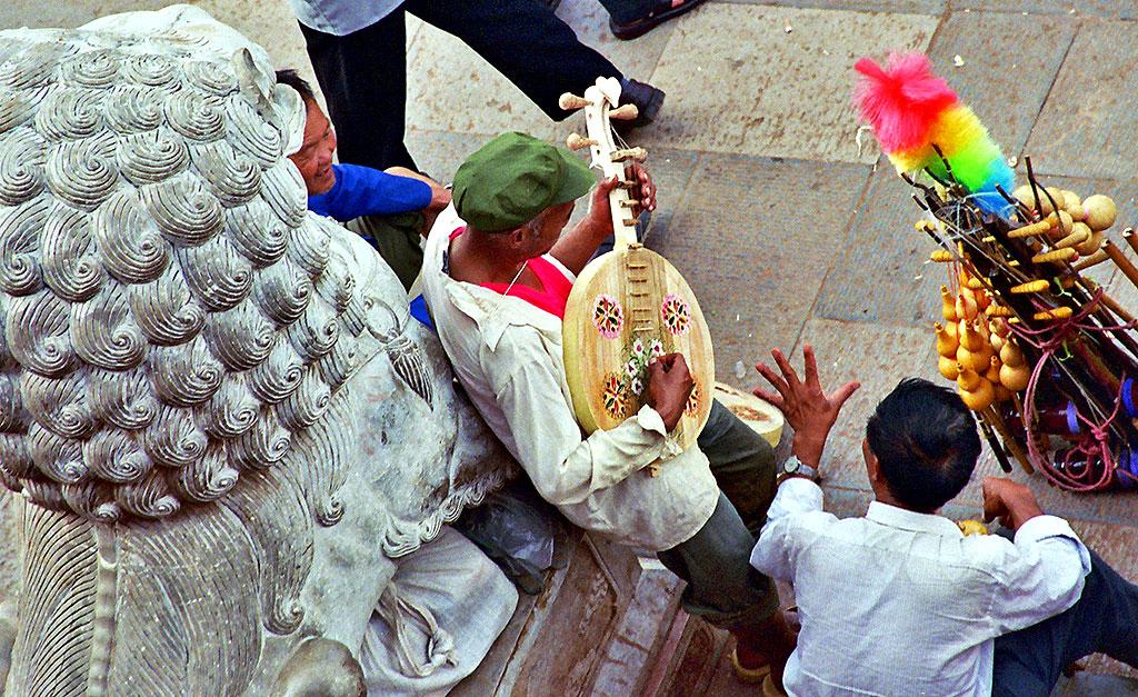yi musician jianshui china