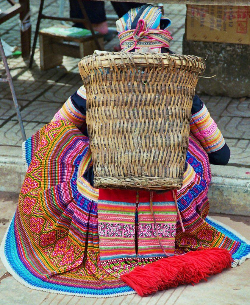 miao minority Laomeng Market 老勐 市场 Jinping Yunnan