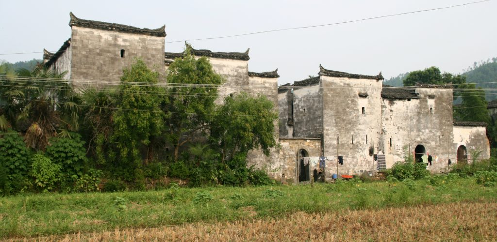Beautiful old Huizhou style houses in the Villages of Wuyaun 婺源: Yancun 延村