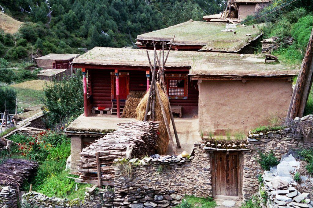 Dege vernacular houses