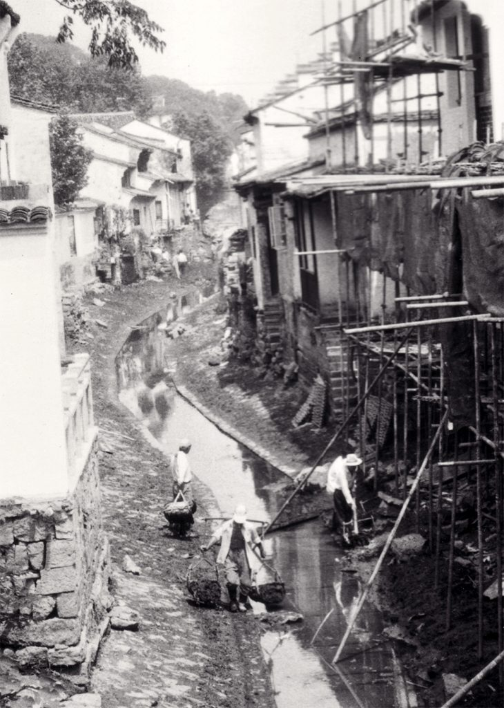 Shaoxing City and around: Dredging the canals